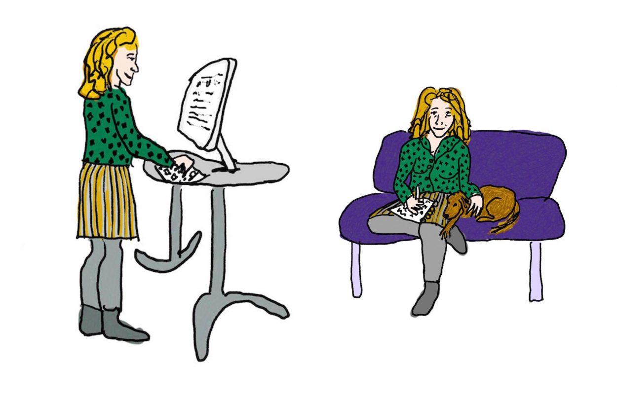 Schrijver met notitieblokje en schrijver achter de computer